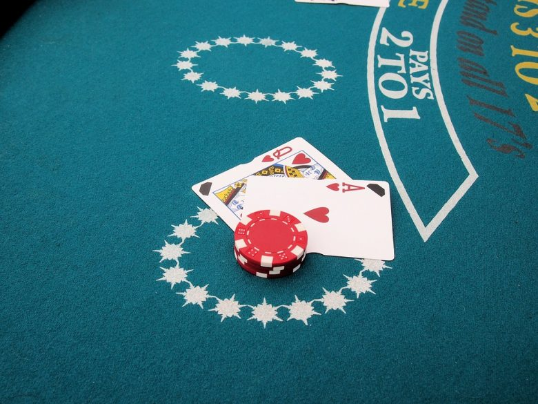 Blackjack avec croupier en direct
